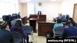 Ержан Өтембаевты босатуға қарсы шағым қаралған сот отырысы. Астана. 10 желтоқсан, 2014 жыл.