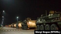 Грузия - Американская военная техника направляется к базе «Вазиани» в Грузии для участия в учениях НАТО