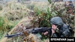 Ruski vojnik tokom vježbe Zapad