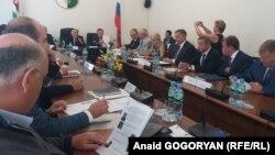 Российские сенаторы на встрече с абхазскими депутатами, 20 сентября 2017 года