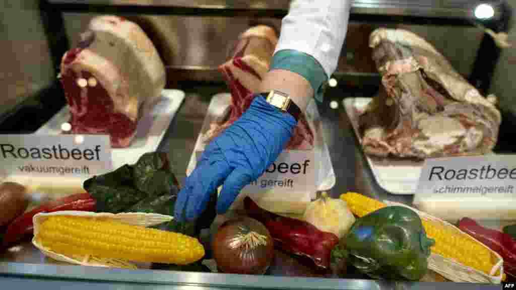 На первом месте по потреблению мяса стоит Люксембург, в которой одним человеком съедается 136 килограммов в год. Затем идут США с 123 килограммами и Австралия с 122 килограммами.