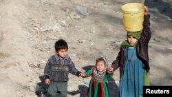 بیشتر این اطفال کار شاقه انجام میدهند.