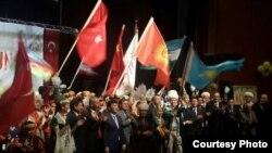 Сүрөттө: Түркияда иштеген кыргызстандыктар Ноорузду белгилешүүдө, 21-март, 2015