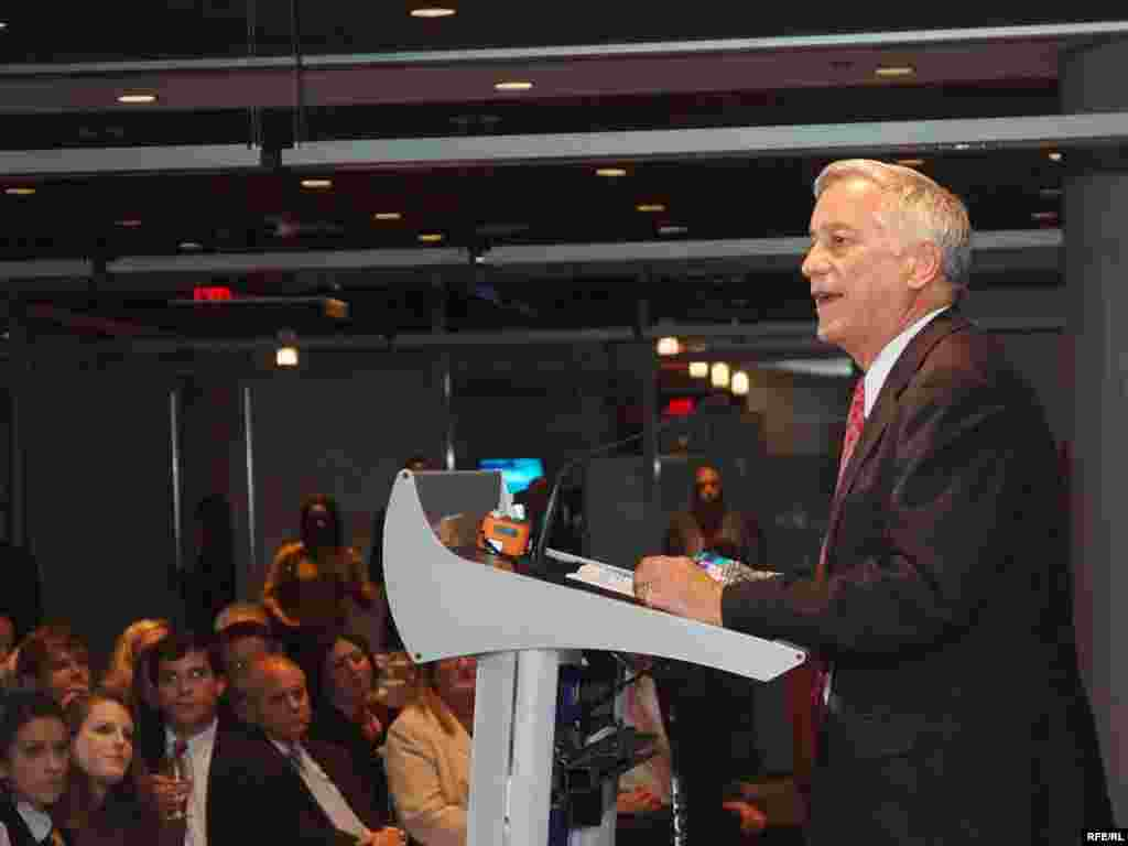 Broadcasting Board of Governors (BBG) Chairman Walter Isaacson takes the podium during RFE's 60th anniversary celebration in Washington, DC.