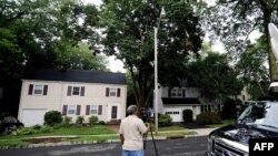 دو تن از بازداشت شدگان در این خانه در مونتکلر نیوجرسی اقامت داشتهاند
