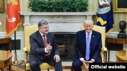 Петро Порошенко і Дональд Трамп під час останньої зустрічі, 20 червня 2017 року