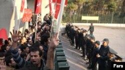 تظاهرات دانشجویان دانشگاه تهران. عکس تزئینی است.