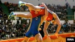 در ديدار هفت وزن روز پايانى جام جهانی کشتی، تيم ملى كشتى آزاد ايران در تالار ۱۲۰۰۰ نفرى مجموعه آزادى بر سر مقام قهرمانى با تيم جمهورى آذربايجان رو به رو شد كه شکست خورد.