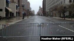 شارع بويلستن في مدينة بوسطن الأميركية بعد مرور ثمانية أيام على وقوع تفجير فيه أثناء تنظيم ماراثون سنوي في 23/نيسان/2013.