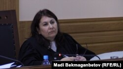 Таисия Мирзоян, председатель кассационной коллегии на суде по жалобе заключенного диссидента Арона Атабека. Астана, 18 августа 2015 года.
