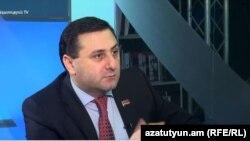 ՀՀԿ-ական պատգամավոր Սամվել Ֆարմանյանը հարցազրույց է տալիս «Ազատությանը», արխիվ