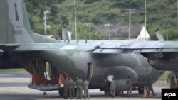 Aeroplani transportues ushtarak Hercules C-130 (Ilustrim)