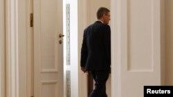 Kristijan Vulf nakon podnošenja ostavke u palati u Berlinu