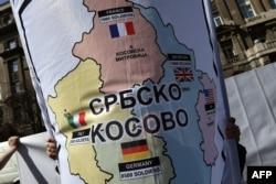'Dosta je rađeno iz Zagreba i Ljubljane na tome da Novi Sad i Priština ne budu u skladnom odnosu sa Beogradom, nego suprotstavljeni njemu.'