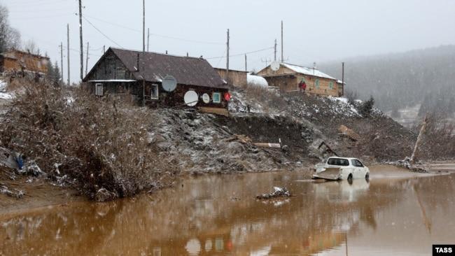 После прорыва дамбы. Село Щетинкино. Красноярский край