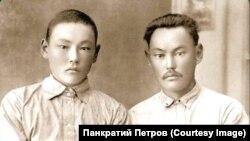 Адам Скрябин (справа) с племянником
