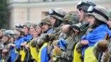 Бійці з батальйону спецпризначення МВС України «Східний корпус» під час церемонії відряджання на Донбас у зону збройного протистояння з російськими гібридними силами. Харків 30 червня 2015 року