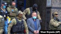 Уапсен Хисни Гуцати