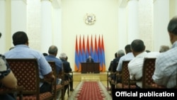 Armenia -- Prime Minister Nikol Pashinian meets with local government officials and environmental activists to discuss the Amulsar mining project, Yerevan, August 19, 2019.