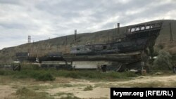 Арт-объект в бухте Бугаз