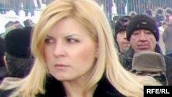 """Elena Udrea - ministru al turismului, renumit pentru poșetele sale """"posh"""""""
