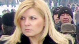 Elena Udrea la cimitirul erorilor români din s.Ţiganca, R.Moldova, ianuarie 2010