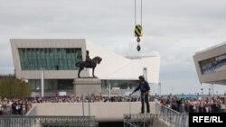 Около 100 000 деталей детского конструктора Meccano ушли на строительство моста в Ливерпуле