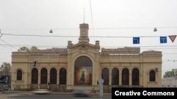 Здание бышего Варшавского вокзала, ныне – торгово-развлекательный комплекс