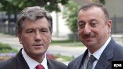 Архівна фотографія. Віктор Ющенко та Ільхам Алієв, 23 травня 2008 рік.