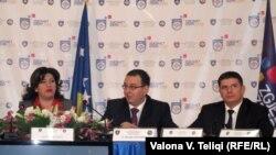 Komisioni Qendror i Zgjedhjeve gjatë konferencës për shtyp, 12 dhjetor 2010.