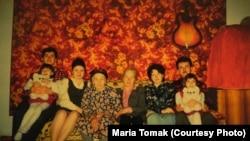 Семейное фото Аметовых (Решат ‒ крайний слева, его брат ‒ крайний справа)