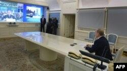 Володимир Путін стежить за запуском ракети, Москва 23 грудня 2014 року