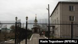Софроний әкей негізін қалаған паналау орны. Алматы облысы, Түймебаев атындағы кент, 25 сәуір 2014 жыл.