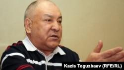 Қазақстан коммунистік партиясының бас хатшысы Ғазиз Алдамжаров.