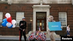 Media Frenzy As Britain Awaits Birth Of New Royal