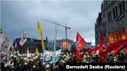 Wenger protestçileri. Budapeşt, 5-nji ýanwar, 2019.