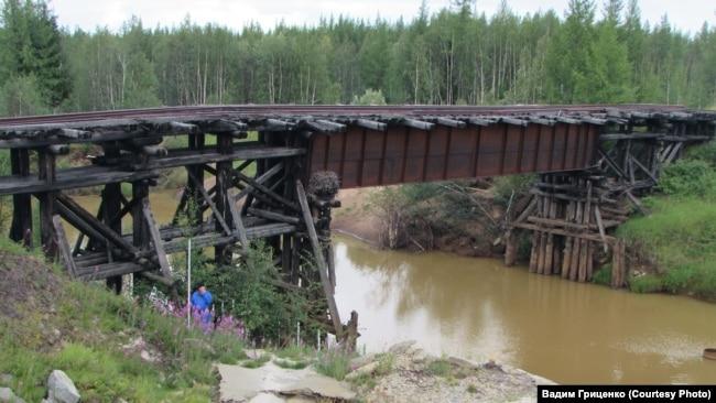 Мост через реку Ид-Яха, объект магистрали Салехард - Игарка