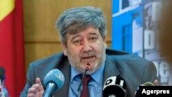 Șeful Inspecției Judiare, Lucian Netejoru, este un personaj controversat. A fost criticat în raportul MCV și demisia lui este ceruta de mai multe asociații ale magistraților.