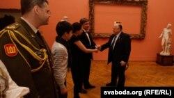 З нагоды 94-х угодкаў аднаўленьня Літоўскай дзяржавы амбасада гэтай краіны ў 2012 годзе прэзэнтавала рэдкія музэйныя экспанаты.