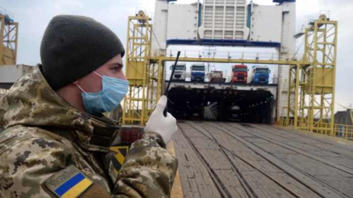Из Турции в порту Черноморск прибыл паром с 35 украинцами на борту