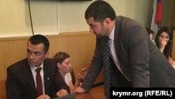 Qırımlı advokatlar Emil Kurbedinov ve Edem Semedlâyev