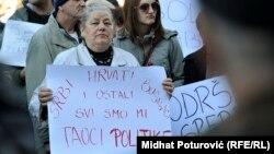 Bosnje e Hercegovinë - Protestuesit anti-qeveritar në Sarajevë, kërkojnë dorëheqjen e qeverisë, 13 shkurt, 2014
