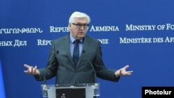 Armenia - German Foreign Minister Frank-Walter Steinmeier speaks at a news conference in Yerevan, 29Jun2016.