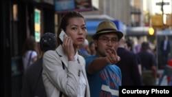 """Руслан Акун """"Салам, Нью-Йорк"""" тасмасын тартуу учурунда"""