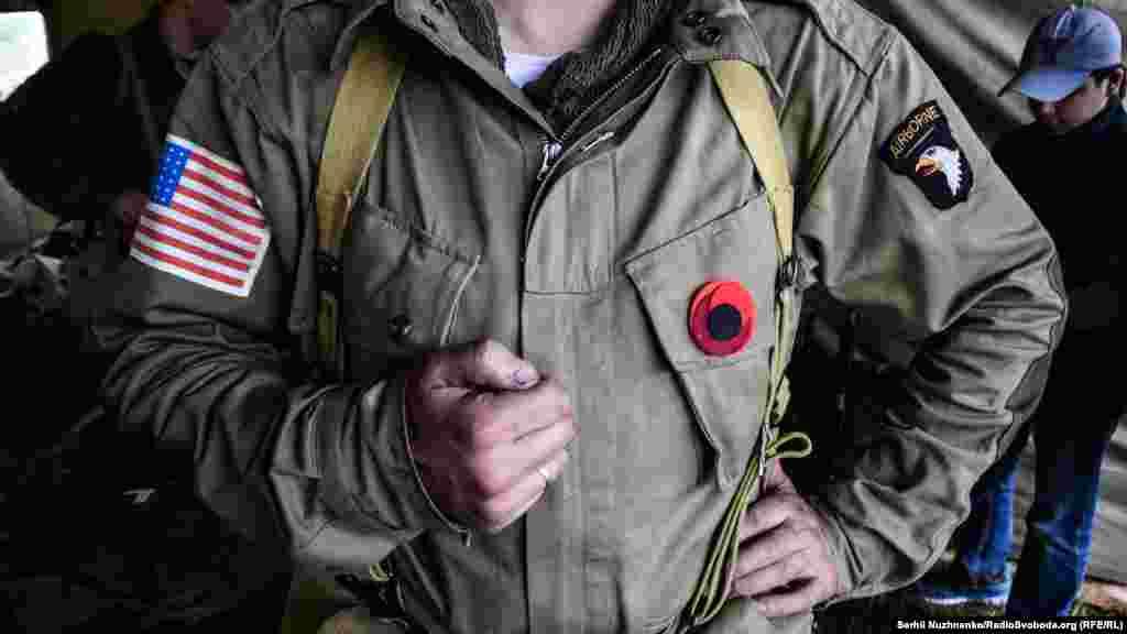 Десантник 101-ї повітряно-десантної дивізії армії США