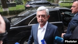 Former Armenian President Serzh Sarkisian arrives in parliament to testify to an ad hoc committee looking into the 2016 fighting in Nagorno-Karabakh, Yerevan, April 16, 2020.