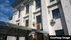 Посольство Росії у Києві, 14 червня 2014 року (фото з Facebook)