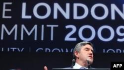 Гордон Браун на итоговой пресс-конференции лондонского саммита