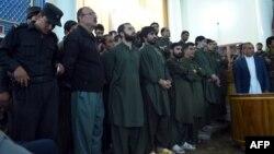Підозрювані в убивстві стоять перед судом, Кабул, 2 травня 2015 року