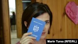 Жынысын өзгөрткөндөн кийин жаңы паспорт алуу. Молдова. 28-март, 2013-жыл.